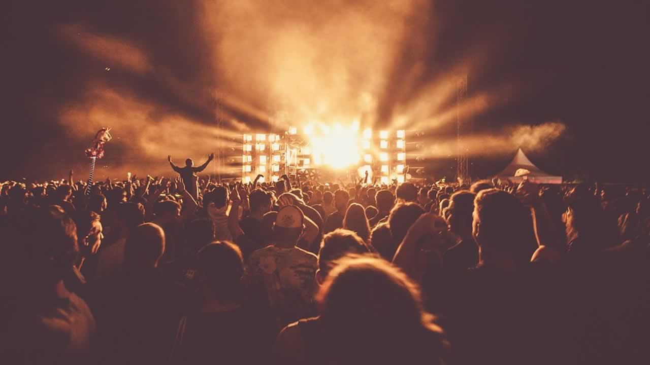 Prismáticos para conciertos y deportes